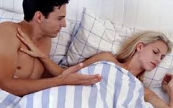 Με ποιον απατούν οι περισσότερες γυναίκες τον σύντροφο τους;