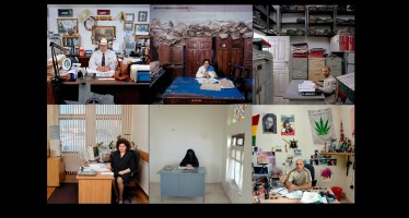 Δημόσιοι υπάλληλοι από όλο τον κόσμο παρέα με τους μισθούς τους! (pics)