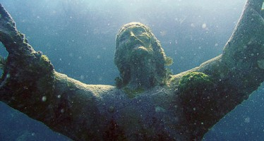 6 Εντυπωσιακά υποβρύχια γλυπτά