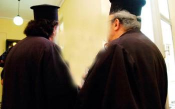 Πάτρα: Ιερέας διώχνει ανάπηρη από την εκκλησία γιατί δεν φορούσε… φούστα!