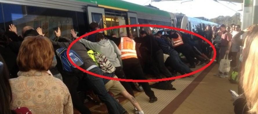 Απίστευτο Βίντεο: Έσπρωξαν το τρένο για να σώσουν συνάνθρωπο τους!