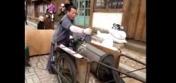 Έτσι κάνουν popcorn στην Κορέα (βίντεο)
