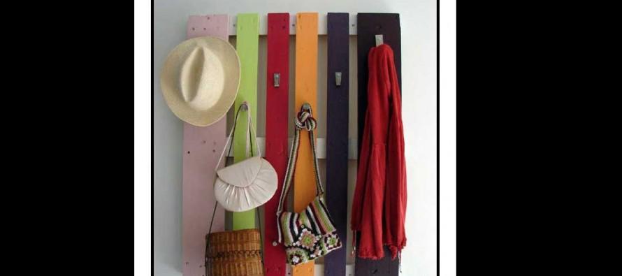DIY: Φτιάξε μόνος σου κρεμάστρα για παλτό από παλέτες!