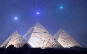 9 Περίεργες θεωρίες για τις Πυραμίδες!