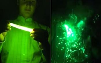 Έβαλε χημικό φως στο φούρνο μικροκυμάτων και έσκασε στο πρόσωπο του!