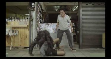 Χτύπησε έναν άστεγο αλλά δείτε τι έκανε αυτός!