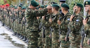 Αυξάνεται η στρατιωτική θητεία… Και οι γυναίκες στο χακί;