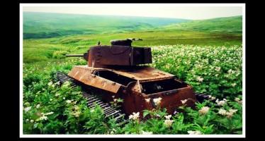 15 Εγκατελελειμμένα άρματα που έχουν γίνει ένα με τη φύση!