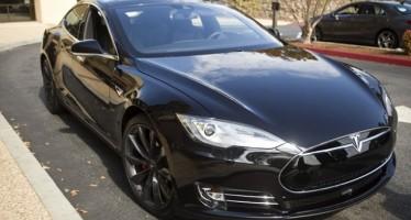 Ο αυτόματος πιλότος ενός Tesla S έσωσε οδηγό!