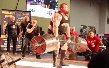 Deadlift: Αυτός είναι ο πρώτος άνθρωπος που σήκωσε τα 500kg