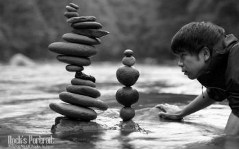 Ο Kokei Mikuni καταφέρνει να εξισορροπεί πέτρες την μια πάνω στην άλλη!