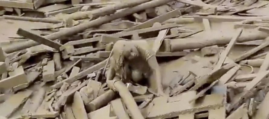 Γυναίκα βγήκε ζωντανή από την θανατηφόρα πλημμύρα στο Περού!