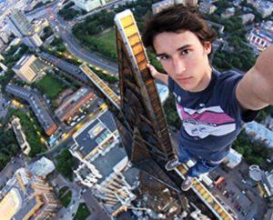 Kirill Oreshkin sto top star building sti mosxa
