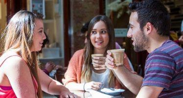 10 Κατηγορίες ανθρώπων που πίνουν καφέ!