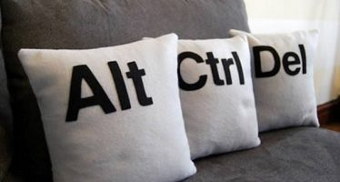 15 Παράξενα μαξιλάρια που μπορείς να έχεις σπίτι σου!
