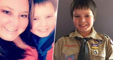 Με φωτογραφία του 12χρονου γιου της στο φέρετρο λέει όχι στο bullying!