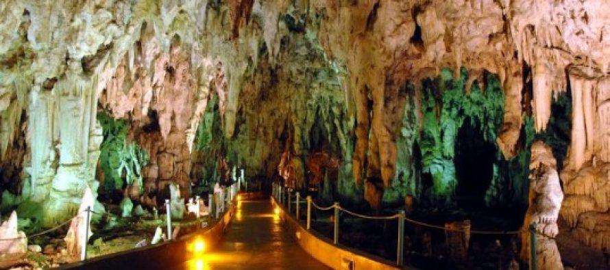9 Γνωστά και άγνωστα σπήλαια που υπάρχουν στην Ελλάδα!