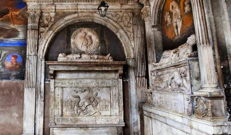 τάφος του Κόμη Δράκουλα Η ιστορία του Vlad Tepes III είχε καταγραφεί ολόκληρη εκτός από της τελευταίες του μέρες. Όλες οι καταγραφές για τη ζωή του και την ιστορία του αιμοσταγούς πρίγκηπα σταματούν. Άλλοι εικάζουν πως πέθανε σε κάποια μάχη,άλλοι πως πιάστηκε αιχμάλωτος ενώ κάποιοι άλλοι πως πήγε στην κόρη του στη Νάπολη για να περάσει τις τελευταίες μέρες του.