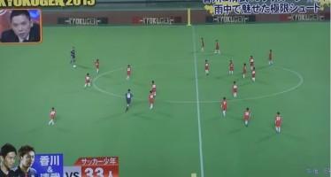 2 Επαγγελματίες ποδοσφαιριστές εναντίον 55 παιδιών σε αγώνα (video)