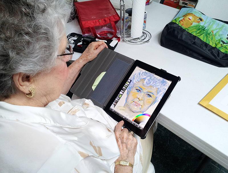 iPadΑποφάσισε λοιπόν να της αγοράσει ένα tablet για να περνάει την ώρα της. Αφού το αγόρασε και της το έδωσε την άφησε μόνη με το καινούριο της απόκτημα για μισή ώρα... Όταν γύρισε για να της δείξει τελικά πως λειτουργεί, αφού ήταν σίγουρος πως δεν θα τα καταφέρει αντίκρισε αυτο...Αποφάσισε λοιπόν να της αγοράσει ένα tablet για να περνάει την ώρα της. Αφού το αγόρασε και της το έδωσε την άφησε μόνη με το καινούριο της απόκτημα για μισή ώρα... Όταν γύρισε για να της δείξει τελικά πως λειτουργεί, αφού ήταν σίγουρος πως δεν θα τα καταφέρει αντίκρισε αυτο...Αποφάσισε λοιπόν να της αγοράσει ένα tablet για να περνάει την ώρα της. Αφού το αγόρασε και της το έδωσε την άφησε μόνη με το καινούριο της απόκτημα για μισή ώρα... Όταν γύρισε για να της δείξει τελικά πως λειτουργεί, αφού ήταν σίγουρος πως δεν θα τα καταφέρει αντίκρισε αυτο...