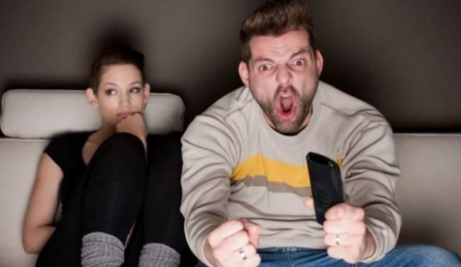5 ψεματάκια που λέει μια γυναίκα στην αρχή της γνωριμίας