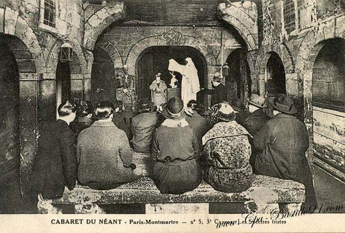 Cabaret du Néant aggouria.net Το Παρίσι ήταν ένα πολύ διαφορετικό μέρος κατά τη διάρκεια του 20ου αιώνα. Τα κέντρα διασκέδασης του το ίδιο. Στις αρχές του 1900 ένα μακάβριο ενδιαφέρον για διάφορα πράγματα έπιασε τους Παριζιάνους. Για να ανταποκριθεί λοιπόν η διακόσμηση των νυχτερινών κέντρων διασκέδασης σε αυτή την τάση, οι ιδιοκτήτες την υιοθέτησαν και το αποτέλεσμα μπορούμε να πούμε ότι ήταν μάλλον περίεργο και ανατριχιαστικό.Το Παρίσι ήταν ένα πολύ διαφορετικό μέρος κατά τη διάρκεια του 20ου αιώνα. Τα κέντρα διασκέδασης του το ίδιο. Στις αρχές του 1900 ένα μακάβριο ενδιαφέρον για διάφορα πράγματα έπιασε τους Παριζιάνους. Για να ανταποκριθεί λοιπόν η διακόσμηση των νυχτερινών κέντρων διασκέδασης σε αυτή την τάση, οι ιδιοκτήτες την υιοθέτησαν και το αποτέλεσμα μπορούμε να πούμε ότι ήταν μάλλον περίεργο και ανατριχιαστικό.