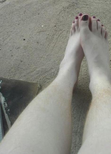 club γυναικείων τριχωτών ποδιών