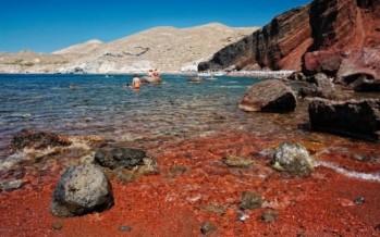 8 Παράξενες αλλά και μοναδικές παραλίες του κόσμου (pics)