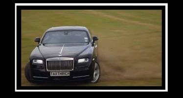 VIDEO: Μια Rolls Royce «θερίζει» το γκαζόν!