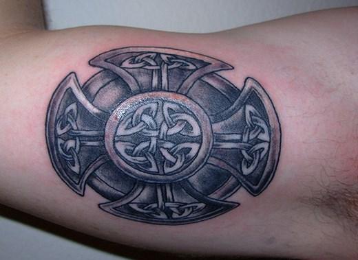 keltikos stauros tatoo