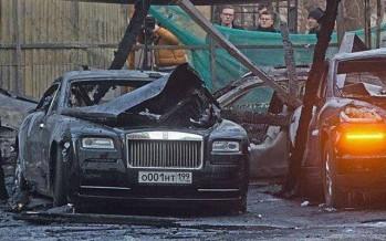 3 εκατομμυρίων πολυτελή αμάξια πήραν φωτιά στη Μόσχα!