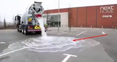 Νέας μορφής άσφαλτος απορροφά 880 γαλόνια νερό σε 1 λεπτό!