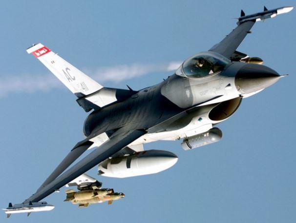 F-16 Falcon polemiki aeroporia amerikis