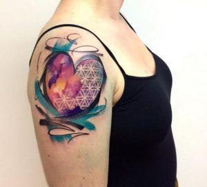 gunaikeia tattoo omos kardia