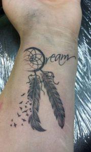 tatouaz grammata oneiropagida
