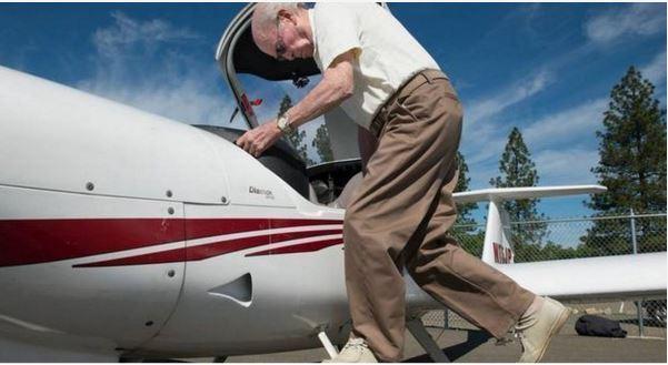 oldest active pilot