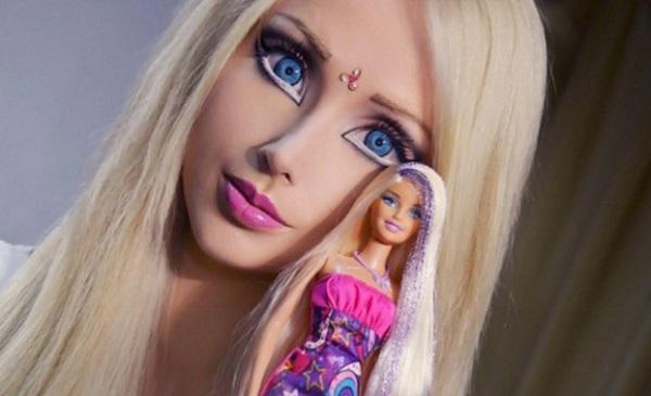 gunaika barbie plastikes