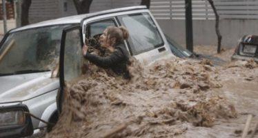 20 Άτομα που επέζησαν από θανάσιμες καταιγίδες!