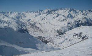 Andermatt elvetia ski theretro
