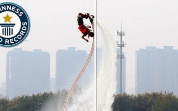 Κινέζος μπήκε στο βιβλίο Γκίνες κάνοντας 29 backflips με Flyboard!