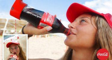 Η Coca-Cola έφτιαξε μπουκάλι για να βγάζεις selfie!