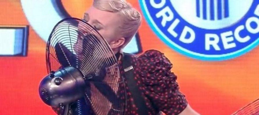 Σταμάτησε 32 φορές σε 1 λεπτό τα πτερύγια του ανεμιστήρα με τη γλώσσα της!
