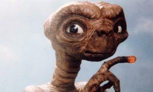 E.T. o eksogiinos
