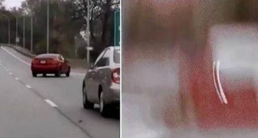 Άντρας γελούσε με μεθυσμένο οδηγό και το κάρμα τον εκδικήθηκε!