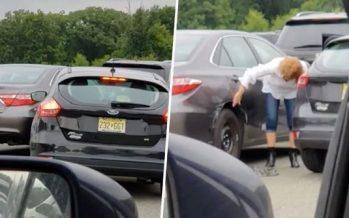 Γυναίκα προσπαθούσε επί 7 λεπτά να ξεπαρκάρει!