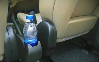 Γιατί απαγορεύεται να αφήνεις ένα μπουκάλι νερό στο αυτοκίνητο!